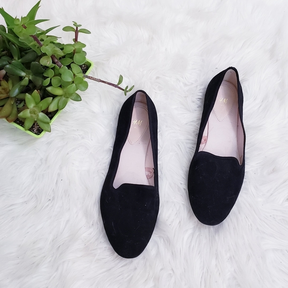 H&M Black suede like Loafers Flats 40